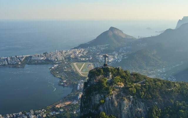"Webinarium ""Invest in Brasil"""