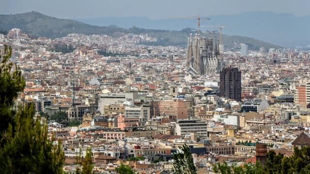 Hiszpania: Covid-19 powoduje pierwszy od pięciu lat spadek cen nieruchomości w skali roku