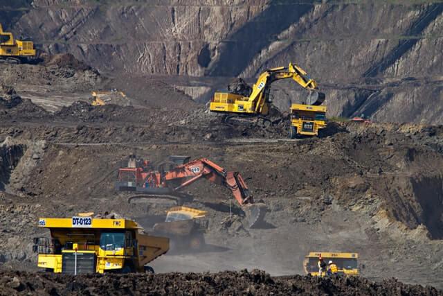 """Webinarium PAIH: """"Potencjał rynku górniczego w Chile, Peru i RPA"""""""